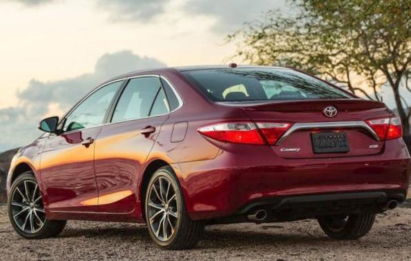 2015 Toyota camry против 2015 honda accord