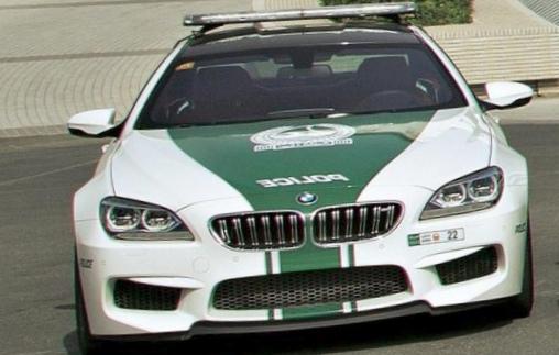 Автомобили полиции дубай