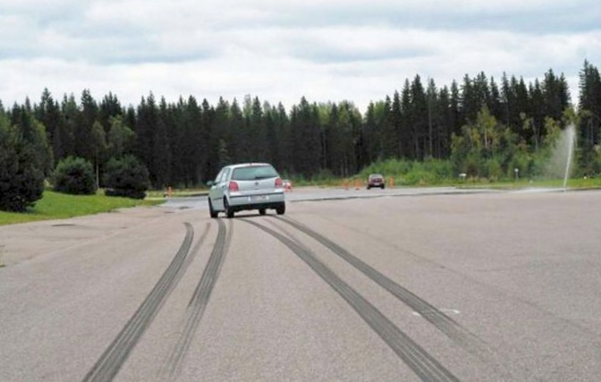 Что делать если автомобиль уводит в сторону