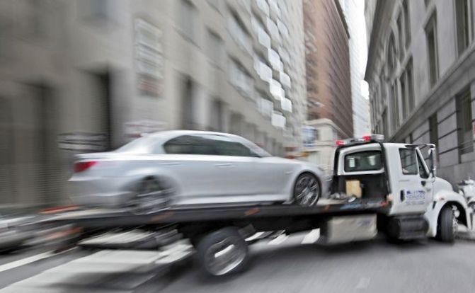Что может отвлечь водителя от дороги и спровоцировать дтп