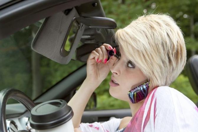 Десять ошибок за рулем, которые могут стать роковыми