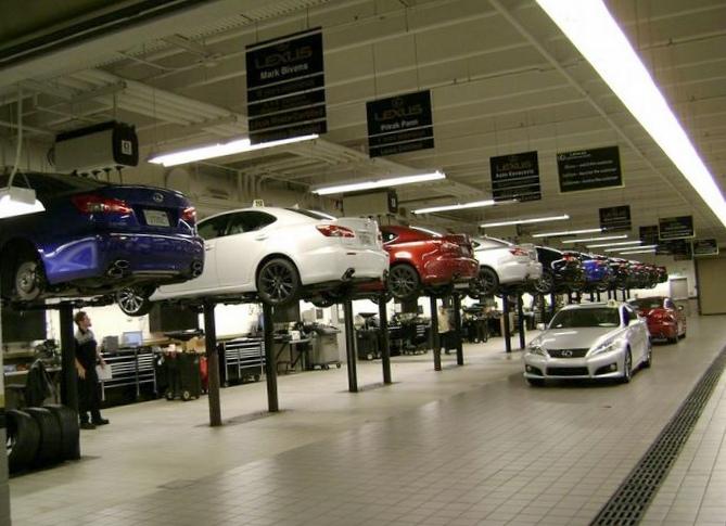 Lexus девятый год подряд возглавил...