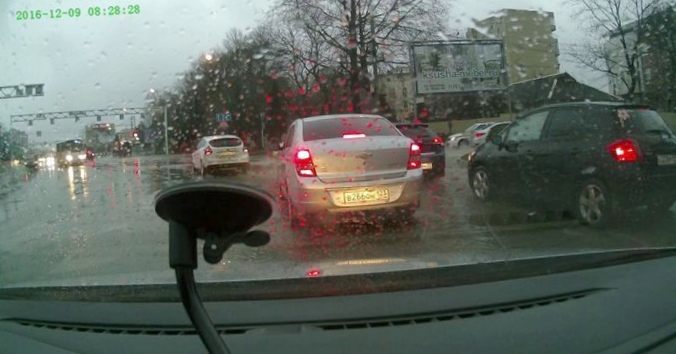 Ливни и потопы: почему на дорогах...