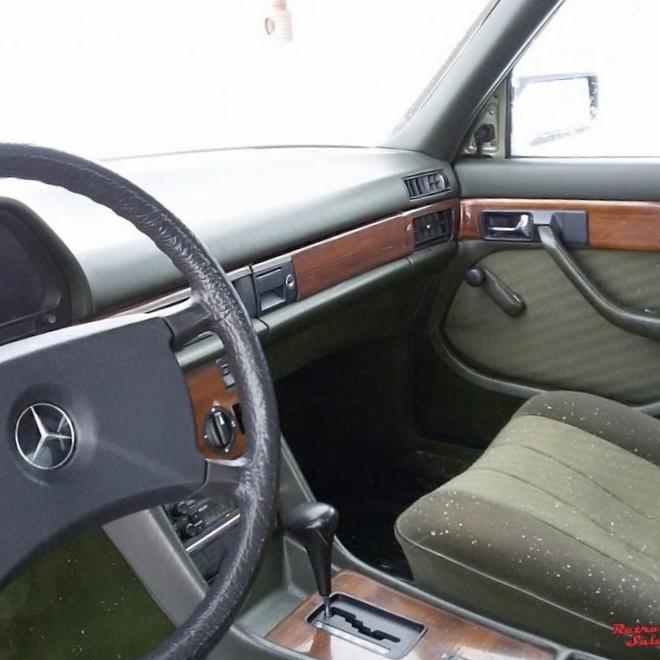 Mercedes-cls. кривой и горбатый.