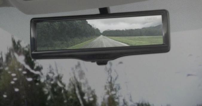 Новый «кашкай» получит салонное зеркало с экраном