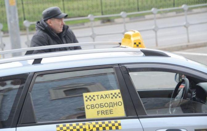 Около половины белорусских таксистов...