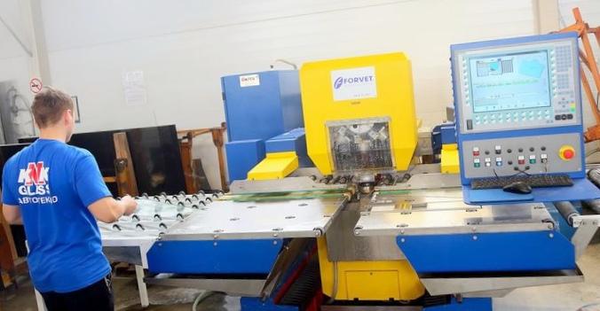 Процесс изготовления автостекла на заводе