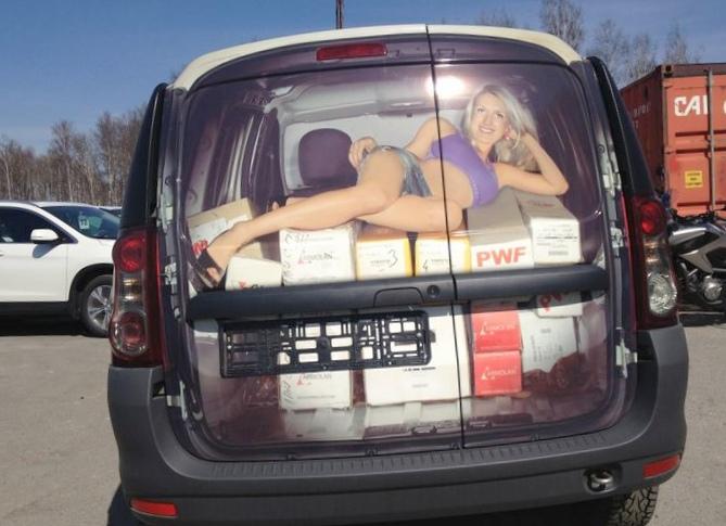 Рисунки на стекле авто: как выделиться...