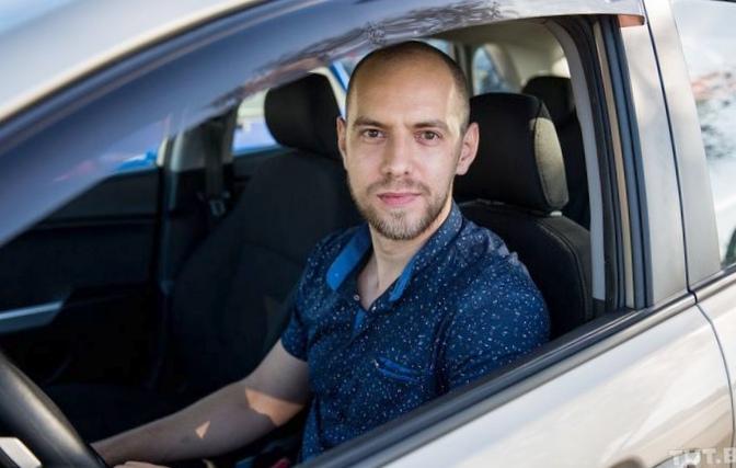 Слабослышащий водитель uber: штрафы...