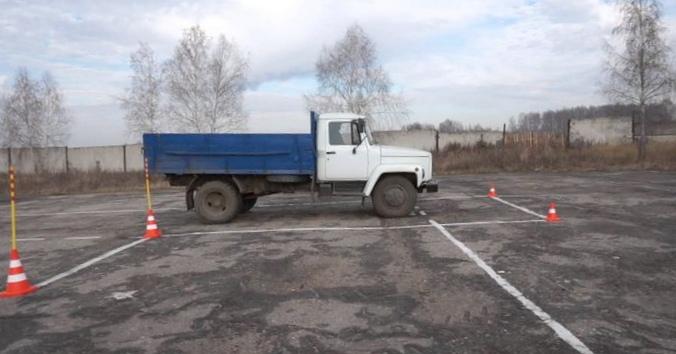 Стоянка по просьбе. за энциклопедия грузовых автомобилей