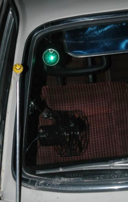 Такси. с зеленым глазом и без.