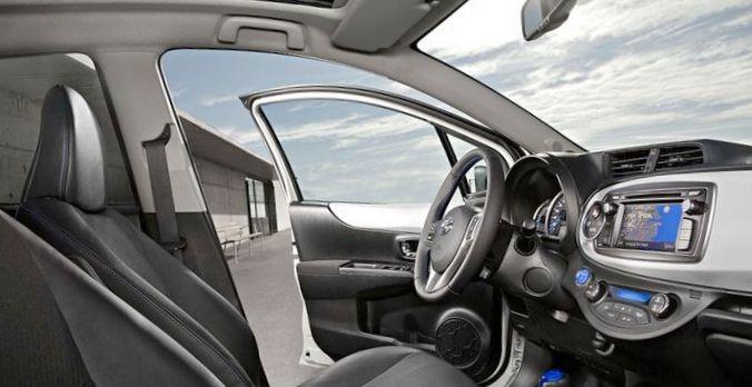 Toyota yaris hybrid – экологически...