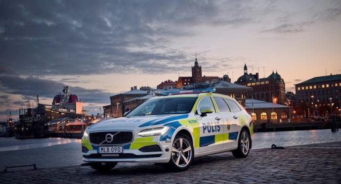 Универсал volvo v90 одобрен для работы в полиции швеции